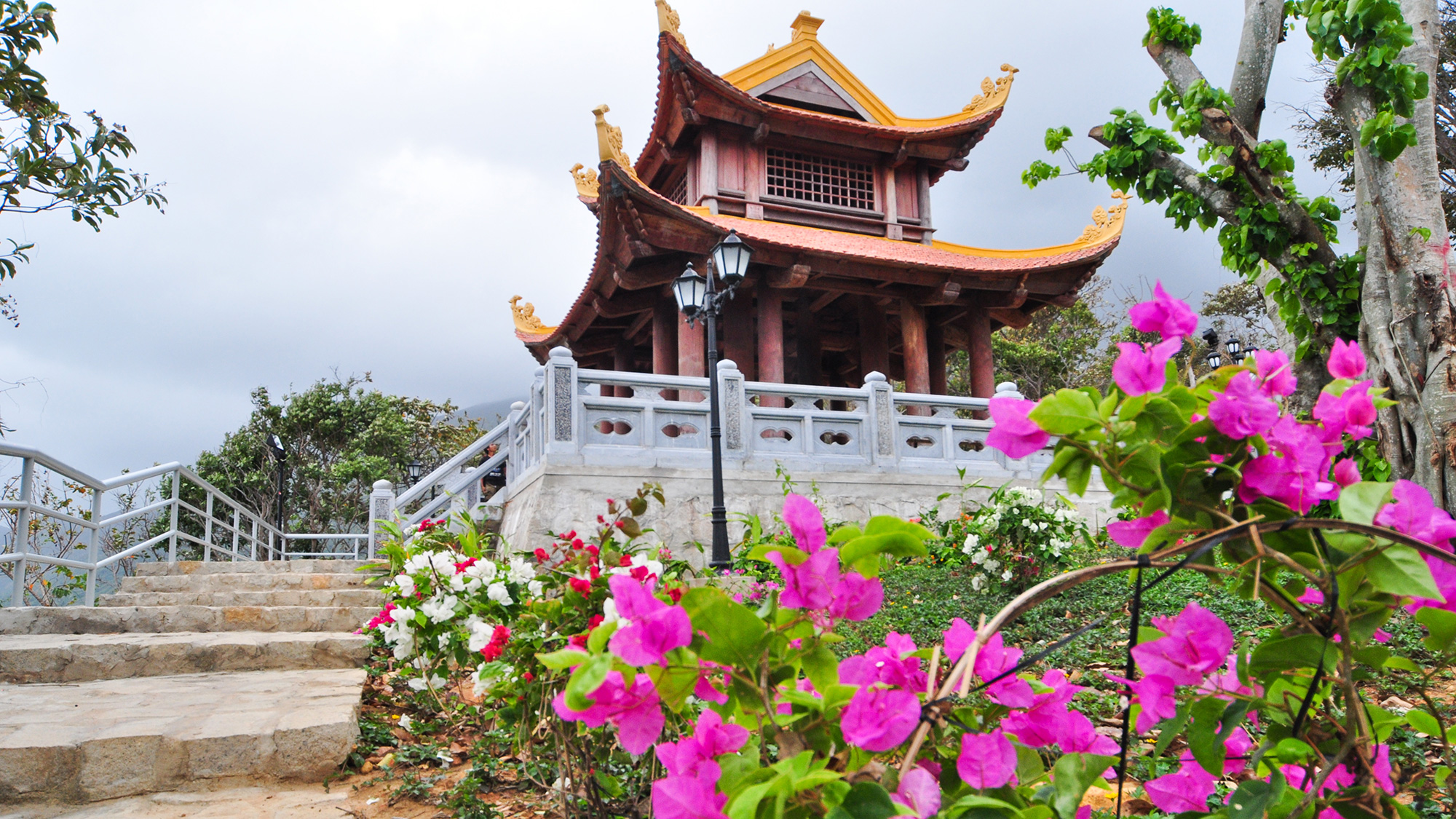 12 Beautiful Pagodas In Vietnam